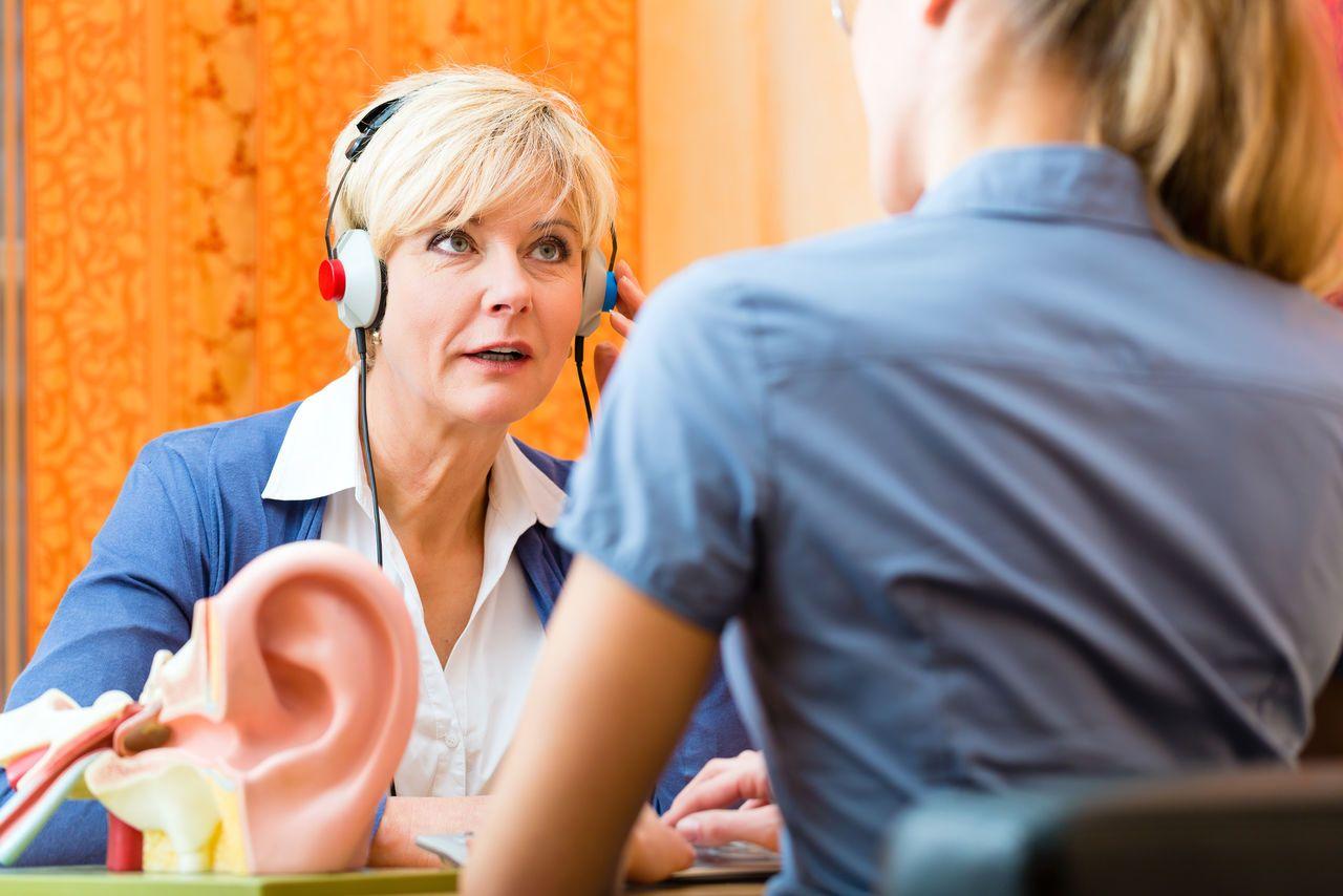 Льготы инвалиду по слуху в 2020 году