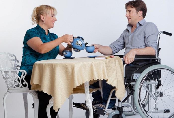 Пособие по уходу за инвалидом 1 группы в 2019-2020 году: размер выплат, оформление и порядок получения, льготы, необходимые документы