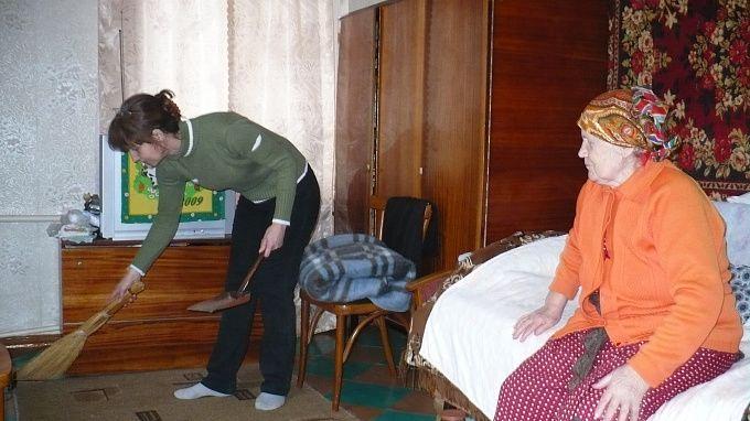 Социальный работник в домах престарелых перевезти лежачего больного из дома в больницу бесплатно